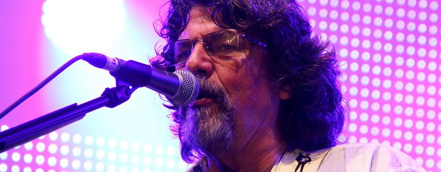 Phil Bates. Фото с сайта boringcapetownchick.com