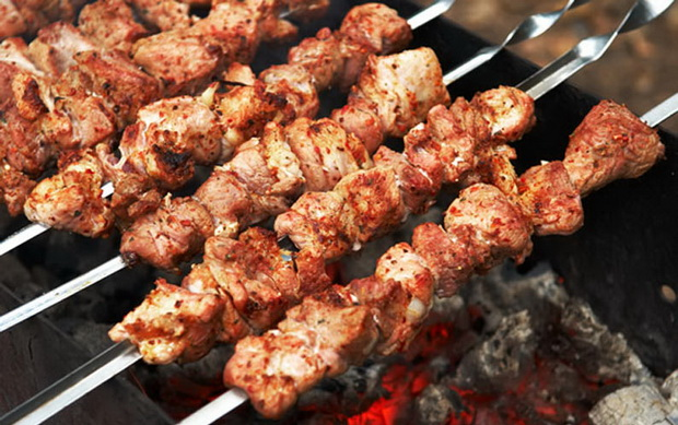 Шашлыки. Фото с сайта kulinaria-recepty.com
