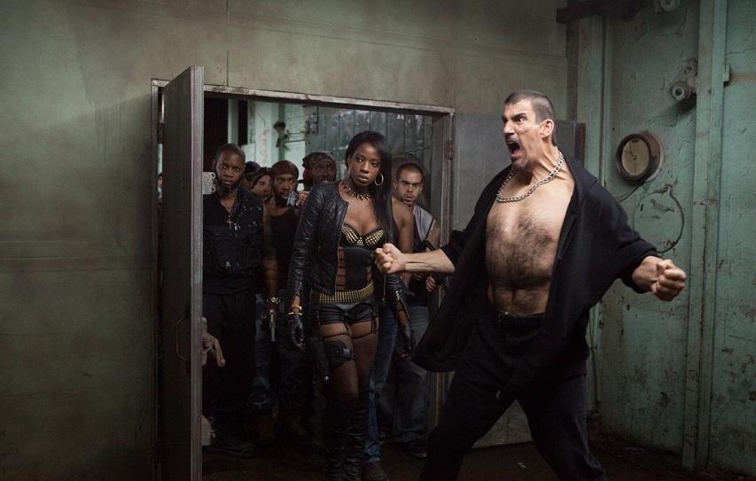 Кадр из фильма «13 район: Кирпичные особняки»