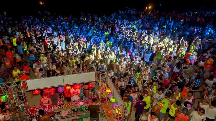 Мега-вечеринка Full Moon Party. Фото с сайта v-thailand.com