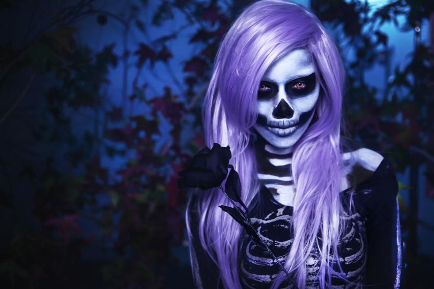 Девушка bones