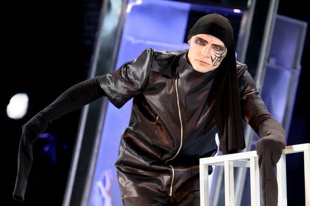Спектакль. Фото с сайта teatrviktuka.ru