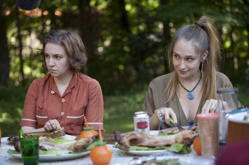 Кадр из сериала «Девочки»