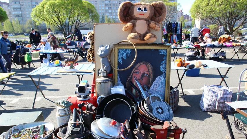 Блошиный рынок. Фото с сайта spb-unona.ru