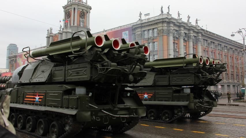 Военный парад в Екатеринбурге. Фото с сайта ngzt.ru