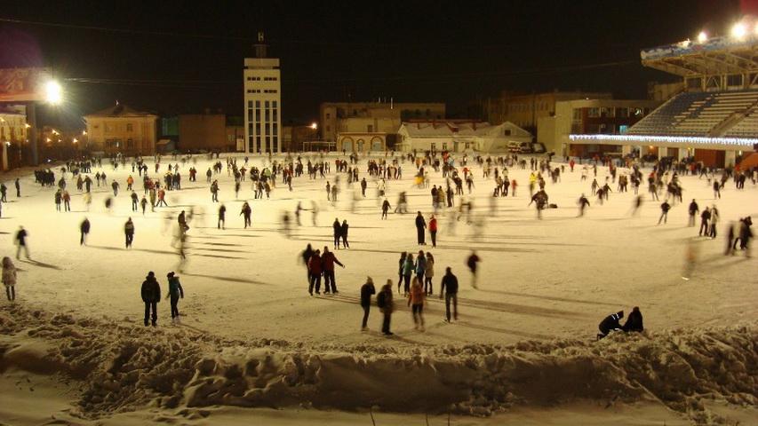 Каток на стадионе «Динамо». Фото с сайта kartasporta.ru