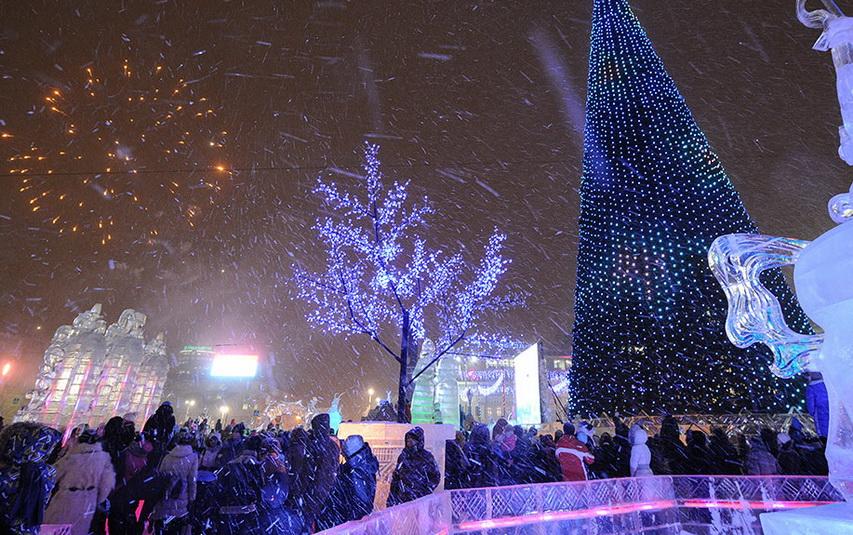Новый год на улицах Москвы. Фото с сайта ntv.ru