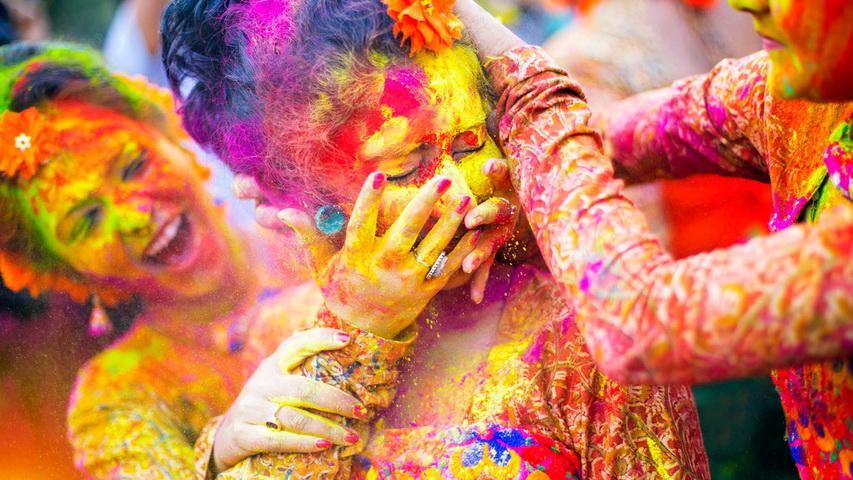 Фестиваль красок. Фото с сайта holifestival.org