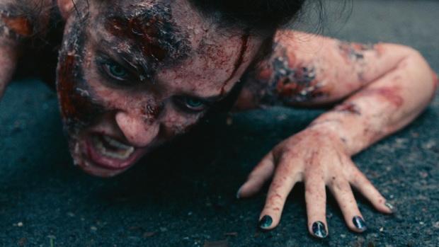 Кадр из фильма «Поцелуй проклятой»