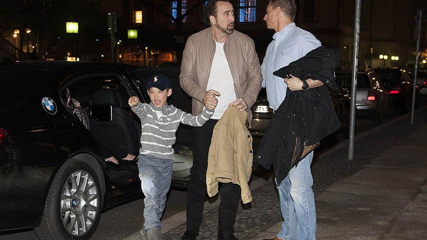 Николас Кейдж с сыном. Фото с сайта Elle