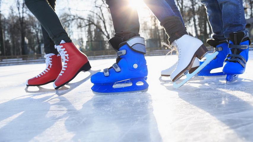 Катание на коньках. Фото с сайта izmailovsky-park.ru