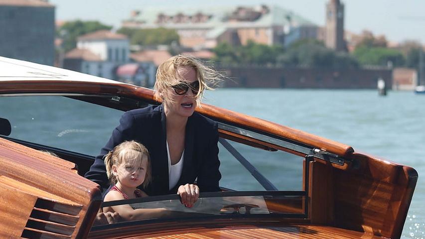 Ума Турман с дочкой Луной. Фото с сайта Дети Mail.Ru