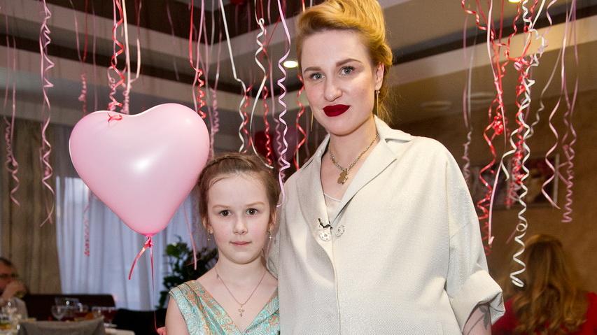 Валерия Гай Германика с дочкой. Фото с сайта Woman.ru