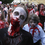 Шествие зомби. Фото с сайта apiural.ru