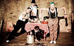Red Hot Chili Peppers, ���� � ����� zvuki.ru
