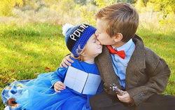 Дети в костюмах. Фото с сайта pikabu.ru