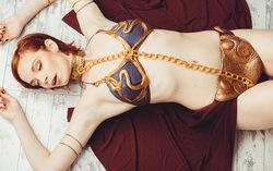 Девушка в костюме Принцессы Леи. Фото с сайта m.pikabu.ru