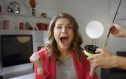 Звезда клипа «Экспонат» Юлия Топольницкая. Фото с сайта Поликсал.ру
