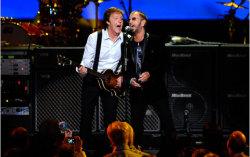 Маккартни и Старр. Фото с сайта www.beatles.ru