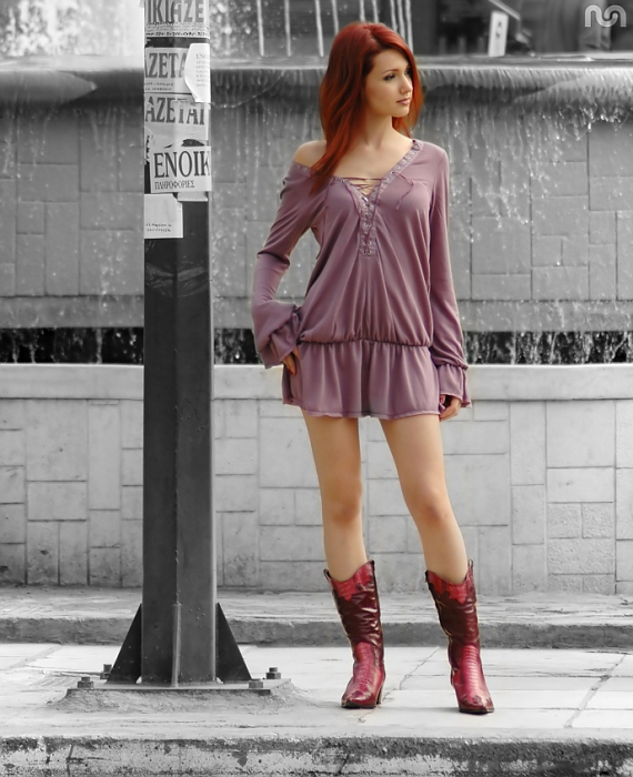 фото рыжих девушек с длинными ногами
