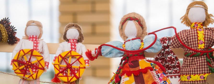 Фото русских-народных кукол предоставлено организаторами
