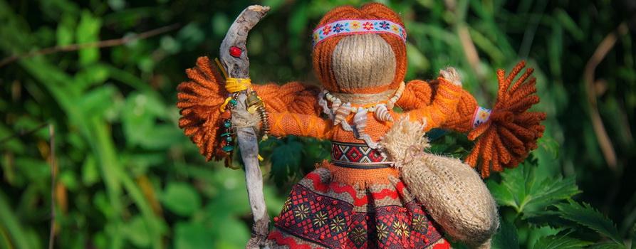 Фото с куклой предоставлено организаторами фестиваля мастеров «Иван-да-Марья»