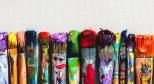 Изображение красок и кистей с сайта goodfon.ru
