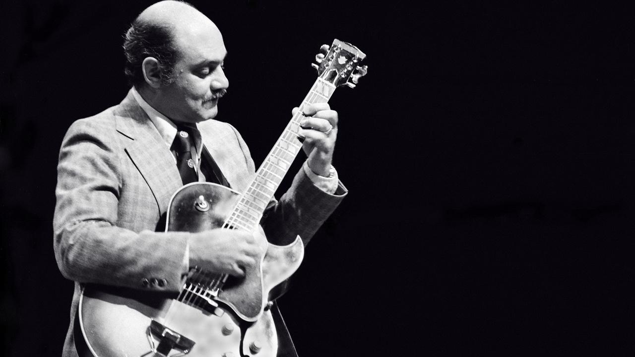 Фото с джазовым музыкантом с сайта guitaradventures.com