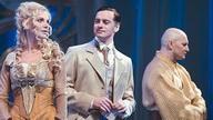 Фото со спектакля «Приключения Фандорина» с сайта iz.ru