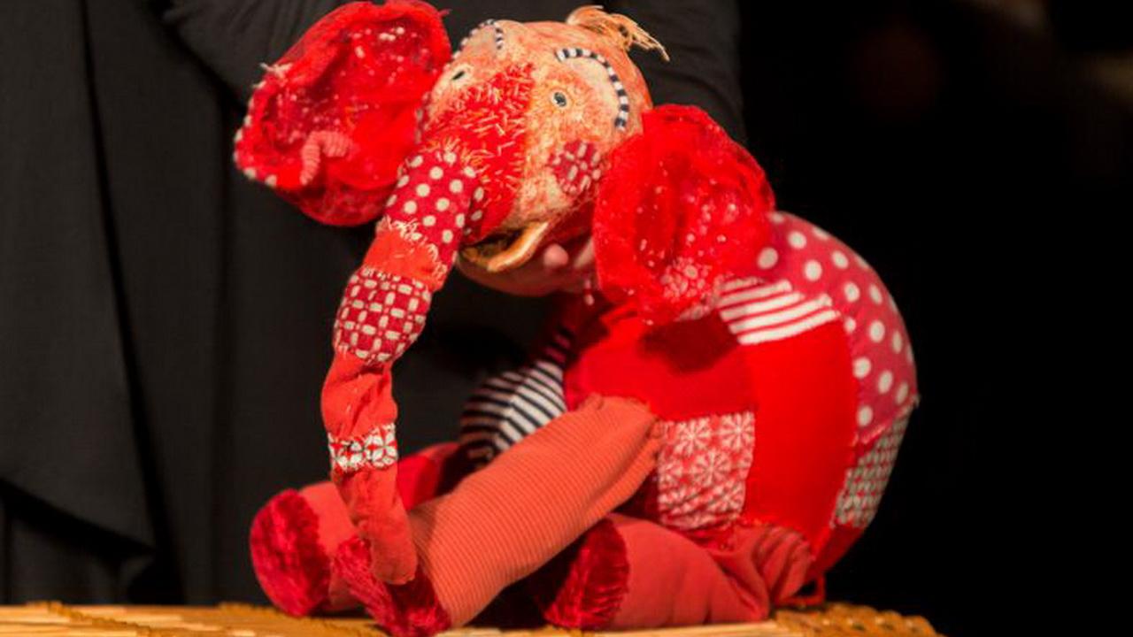 Фото со спектакля «Разноцветные сказки» предоставлено организаторами