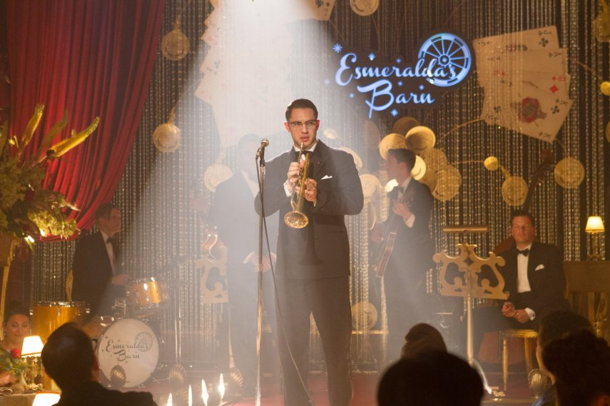 Кадр из фильма «Легенда»