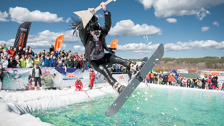 Аква-шоу Red Bull Jump & Freeze. Фото предоставлено организаторами
