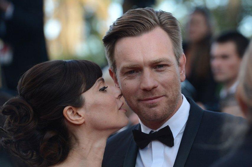 МакГрегор с женой. Фото с сайта ria.ru