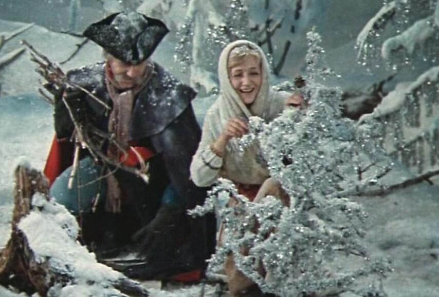 Кадр из фильма «12 месяцев»