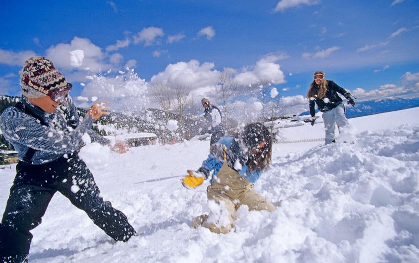 Картинки на тему играть в снежки