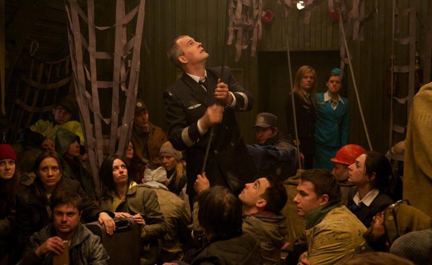 Кадр из фильма «Экипаж»