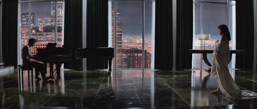 Кадр из фильма «Пятьдесят оттенков серого»