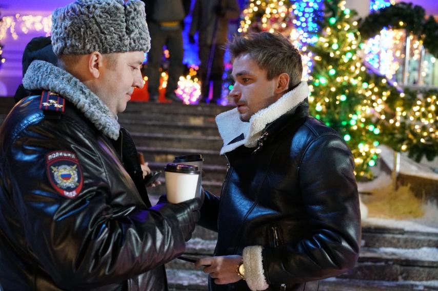 Кадр из фильма «Полицейский с Рублевки. Новогодний беспредел»