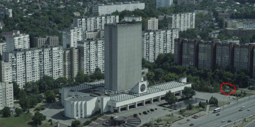 Кадр с ляпом из сериала «Чернобыль»