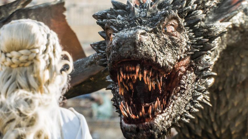 В преддверии старта  8 сезона «Игры престолов» вМЕГЕ пройдет двухдневный праздник дляфанатов культовой фэнтези-саги. Постер «Игры престолов»