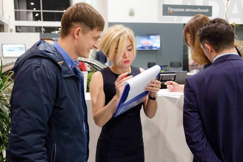 К Новому году руководство «Лады Екатеринбург Север» обещает массу акций и подарочков