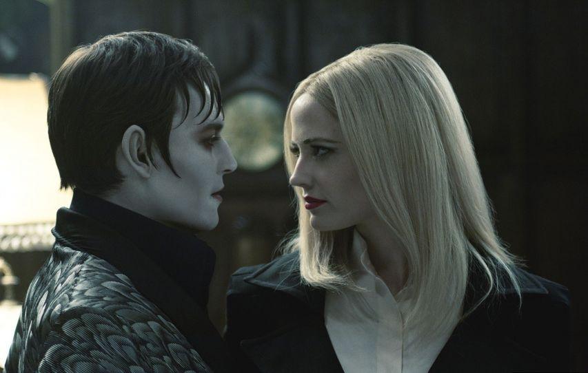Кадр из фильма «Мрачные тени»