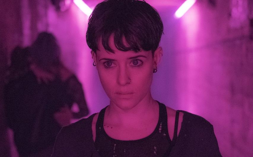 Кадр из фильма «Девушка, которая застряла в паутине»