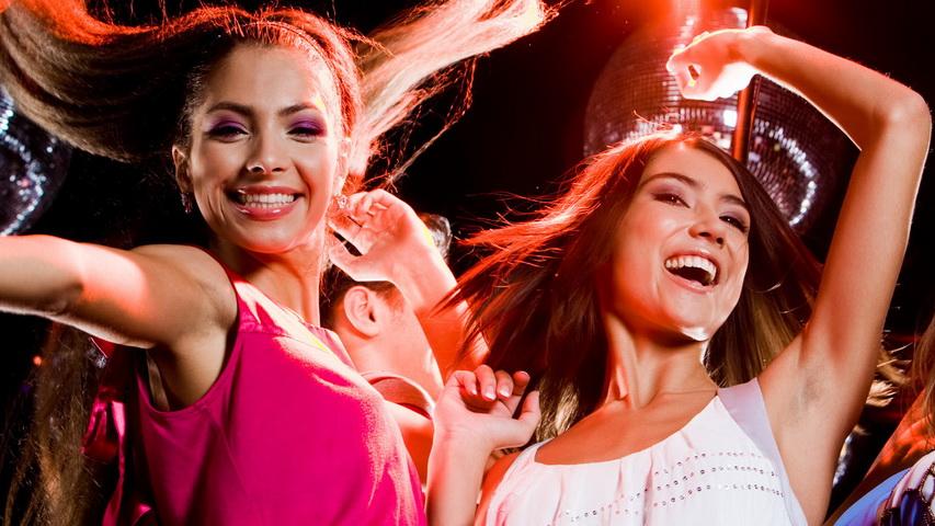 Пока мужчины заняты футболом, девушки оторвутся в «Свободе». Фото с сайта wallpapers.com