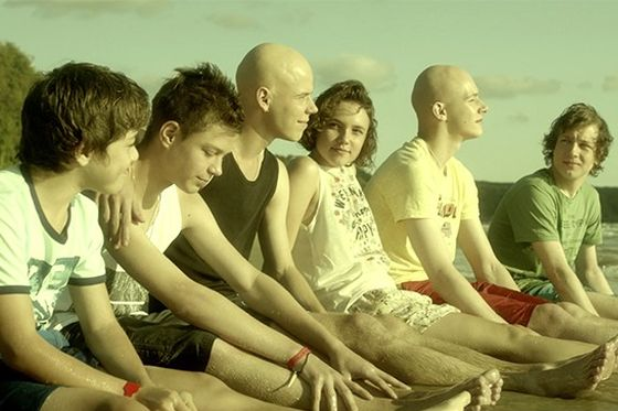 Кадр из сериала «Красные браслеты»