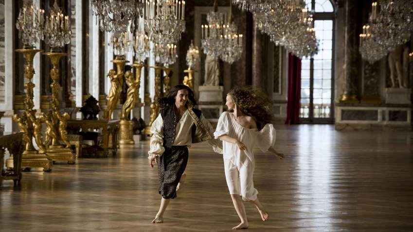 Кадр из сериала «Версаль»