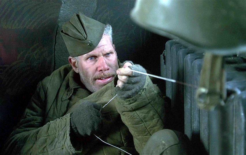 Кадр из фильма «Враг у ворот»