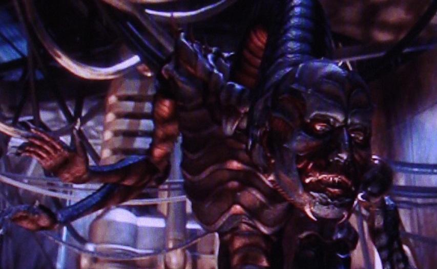 Кадр из фильма «Затерянные в космосе»