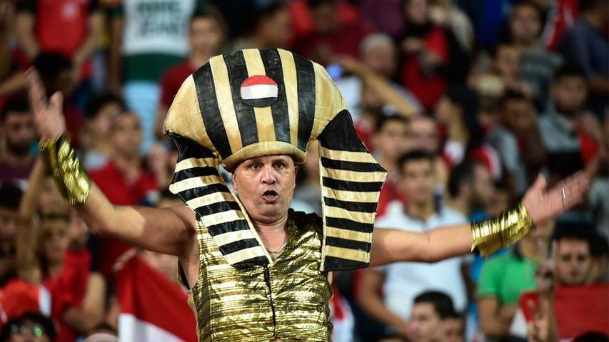 Футбольные болельщики из Египта. Фото с сайта BBC.com