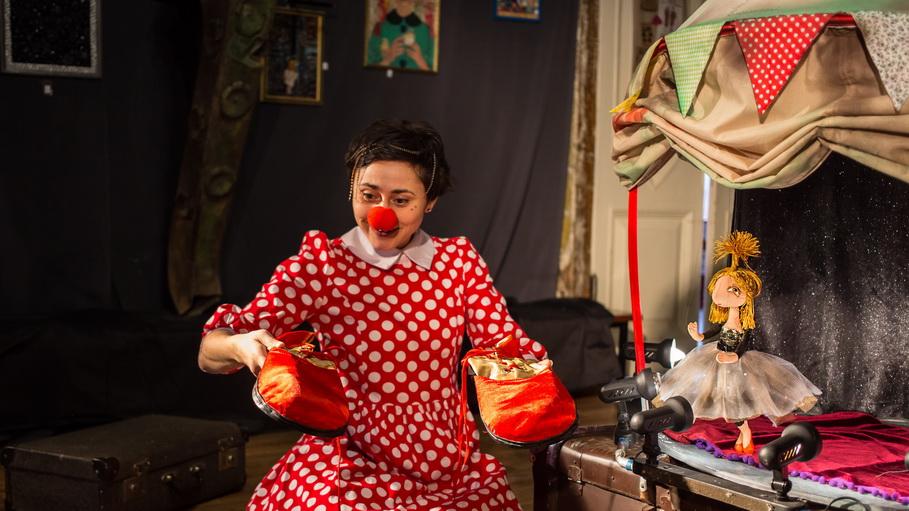 Чем заняться на новогодних каникулах — 2020 в Екатеринбурге: Театр «Три апельсина»